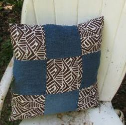 Denim-Pillow-Made-from-Old-Jeans (1)