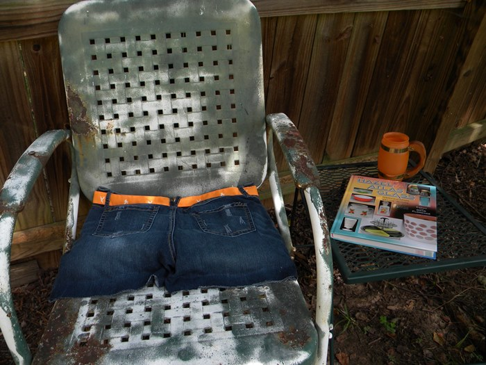 Make Old Jeans Into a Sit-Upon