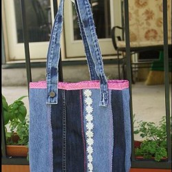Recycle Jeans to Make a Denim Tote