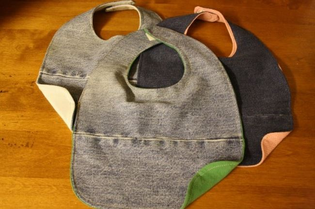 How to Make Denim Baby Bibs from Jeans