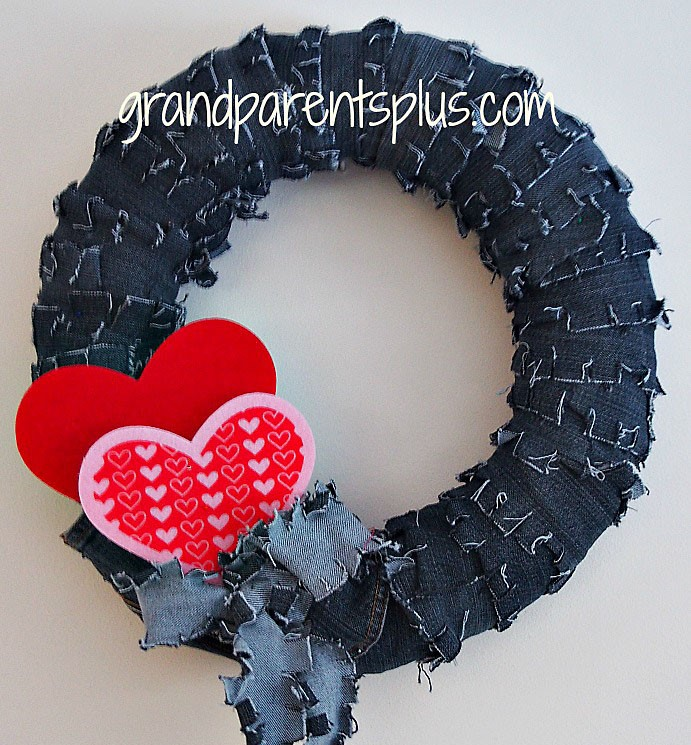 Make A Denim Wreath From Old Repurposed Jeans