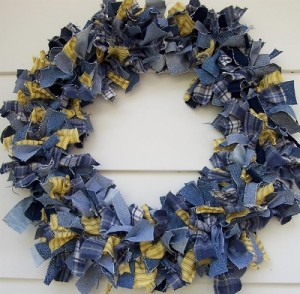 Make a Denim Wreath from Recycled Old Jeans 2