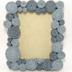 Make A Denim Photo Frame From Jean Scraps