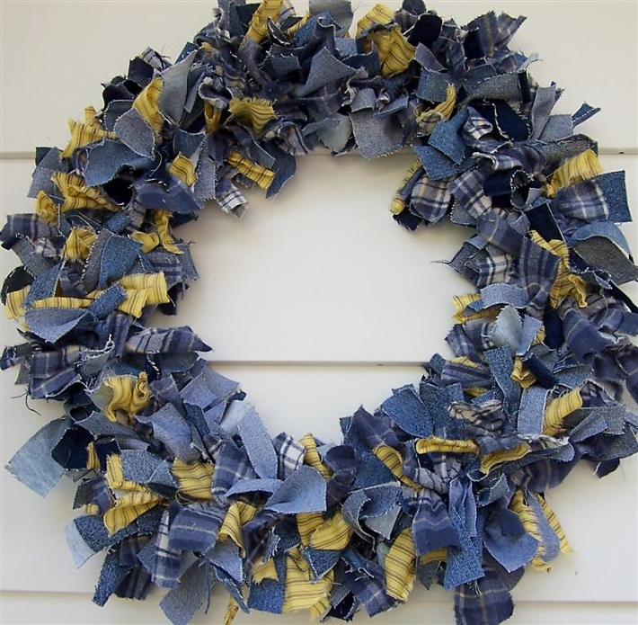 Make a Denim Wreath from Recycled Old Jeans